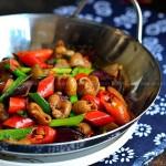 干锅肥肠(冬季里风靡菜馆的绝妙肥肠吃法)