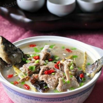 羊排鲫鱼汤