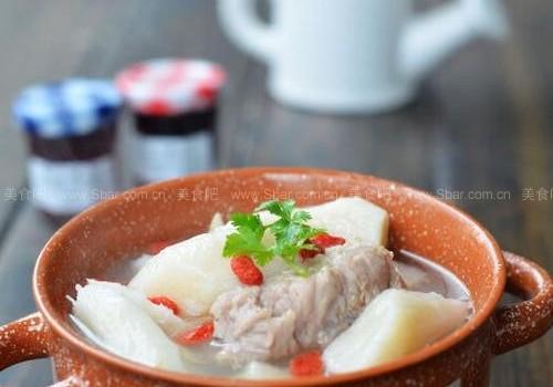 山药炖排骨(健脾养胃的冬日暖身汤)