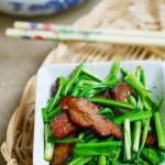 蒜苗炒腊肉(荤素搭配)