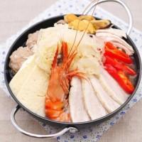 酸菜汆白肉湯底火鍋