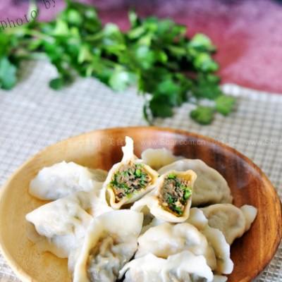 韭菜鲜肉水饺和腊八蒜