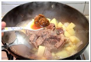 咖喱土豆炖牛肉