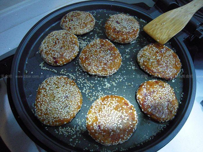 电饼铛作用紫薯饼(电饼铛菜谱)黑芝麻煲田鸡南瓜与功效图片