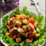 桃红柳绿拌沙拉(春节家宴上深受女士和小朋友喜欢的凉拌菜)