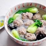 清汤鹿肉丸(调气血,温元气的滋补型东北风味菜)