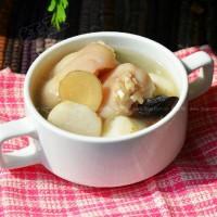 白芷芋頭豬蹄湯