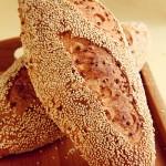 花生芝麻面包(烘培菜谱)
