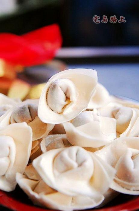 冷冻贻贝肉的做法_元宝馄饨的做法【图解】_元宝馄饨的家常做法_元宝馄饨怎么做 ...