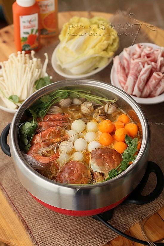 金汤海鲜火锅的做法