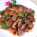 黑椒牛肉粒(荤菜)
