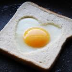 爱心煎蛋吐司 (10分钟早餐菜谱)