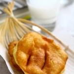 糖油饼 (北京早点铺常见的早点之一)