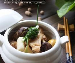 香菇炖老母鸡的做法