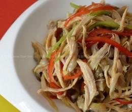 蒜泥椒油鸡丝凤尾菇的做法