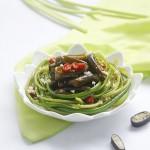 凉拌金茸蒜苔(预防春季感冒菜)