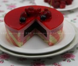 蓝莓冻树莓慕斯蛋糕