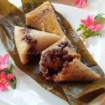 腊肠咸蛋红豆粽、红豆杏脯粽和碱粽(如何包粽子)