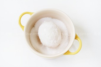 一分钟腌出疯狂流油的咸鸭蛋