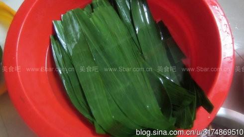 腊肠粽红豆粽和水晶粽