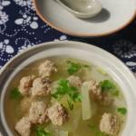 冬瓜丸子汤(清热祛暑润肺生津喷香可口的美味汤汁)