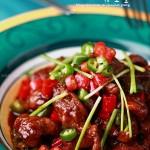 双椒酱焖鸭条