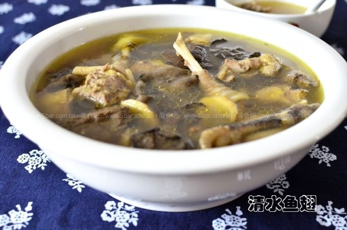 野山菇柴鸡汤