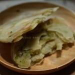 葱油饼(街边小吃)