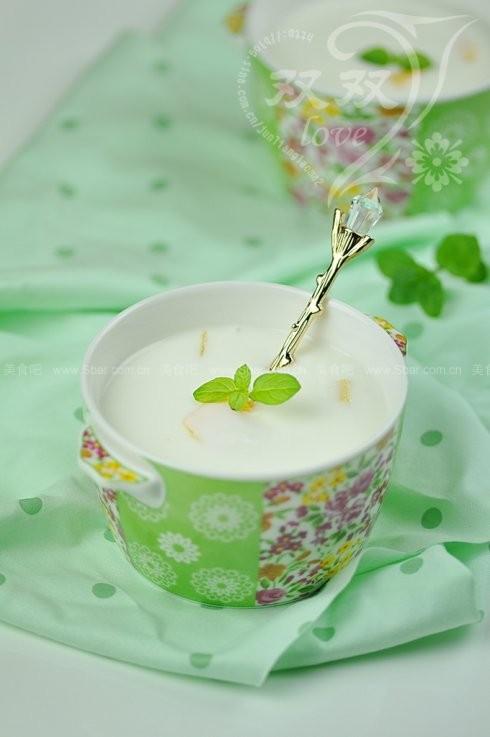 芒果果粒酸奶