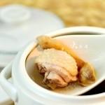 松茸炖鸡盅