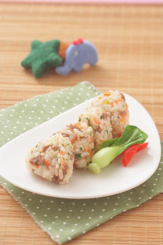 蔬菜肉末饭团