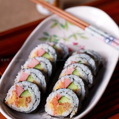咸蛋黄肉松寿司