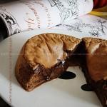 爆浆的巧克力半熟凹蛋糕(甜品点心)