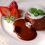 浓情巧克力熔岩蛋糕(情人节浪漫甜点)