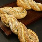 芝麻辫子面包(早餐菜谱)