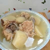 白蘿卜大骨湯