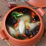 当归红枣蒸鸡汤(清润滋补)