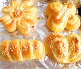 普通面粉一样可以做好吃的椰蓉面包