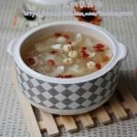 百合银耳莲子汤(美容养颜)