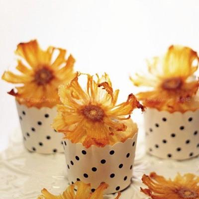 菠萝太阳花和清新柠香杯子蛋糕