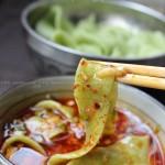 蒜蘸菠菜面(春食菠菜养护肝)