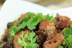 小鸡炖蘑菇