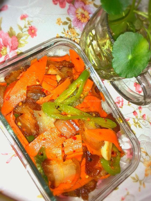 湘西腊肉炒胡萝卜
