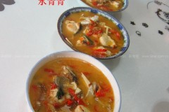 红辣椒煮鱼