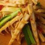 剁椒春笋(补血益气明目健脾养颜护肤春季美食)