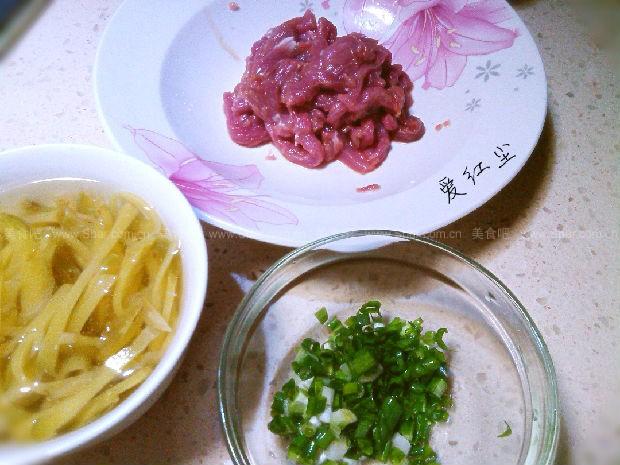 早餐肉丝面(菜谱榨菜)釜山猪肉汤饭一条街图片
