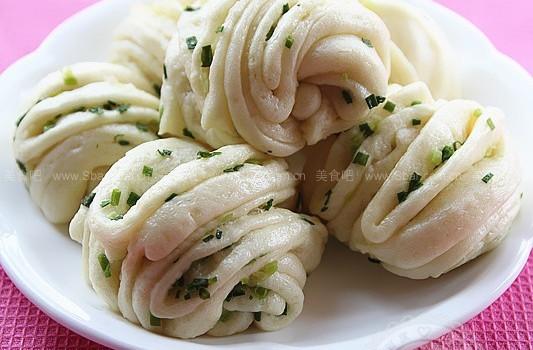 葱香&椒盐花卷(早餐菜谱)