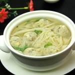 金针菇鱼丸汤