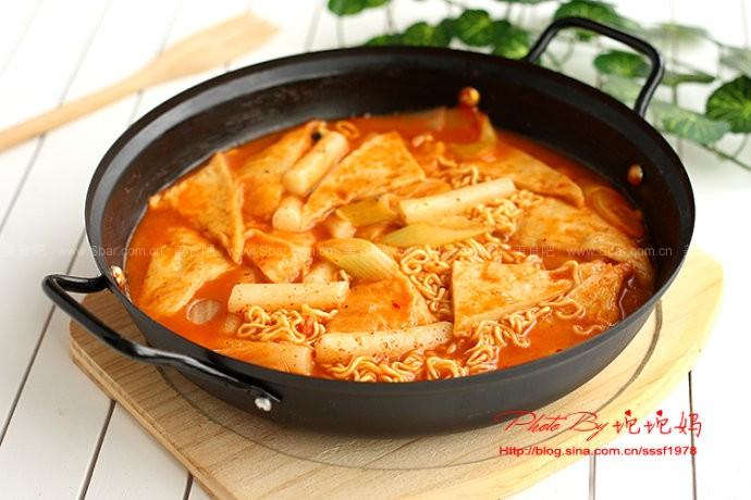 韓式辣年糕泡面火鍋