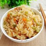 胡萝卜豆角焖饭(电饭锅菜谱)